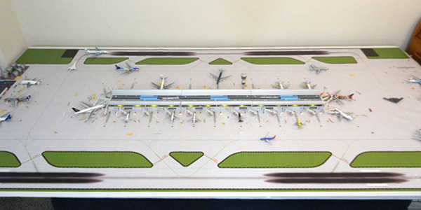 400-DR1-miniature-airport_600x300