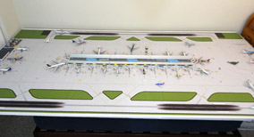 1:400 Dual Runway #1 Model Airport